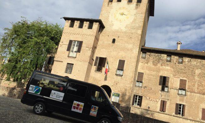 Navetta 9 posti per visitare la Rocca di Fontanellato e i Castelli del Ducato: partenza dal Teatro Regio di Parma