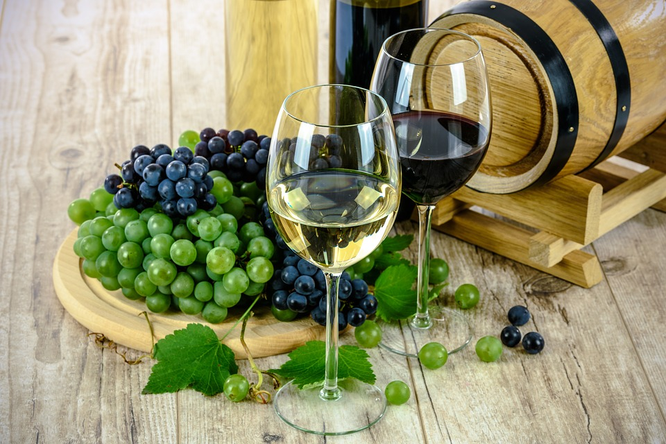 two-types-of-wine-1761613_960_720